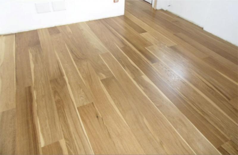 Pisos de madera brendo colocaciones terminaciones y for Pisos para living